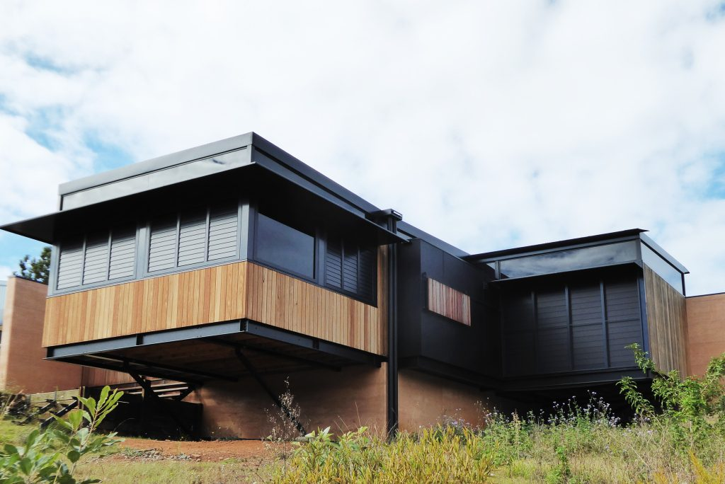Rammed earth in Eumundi home, SE Queensland