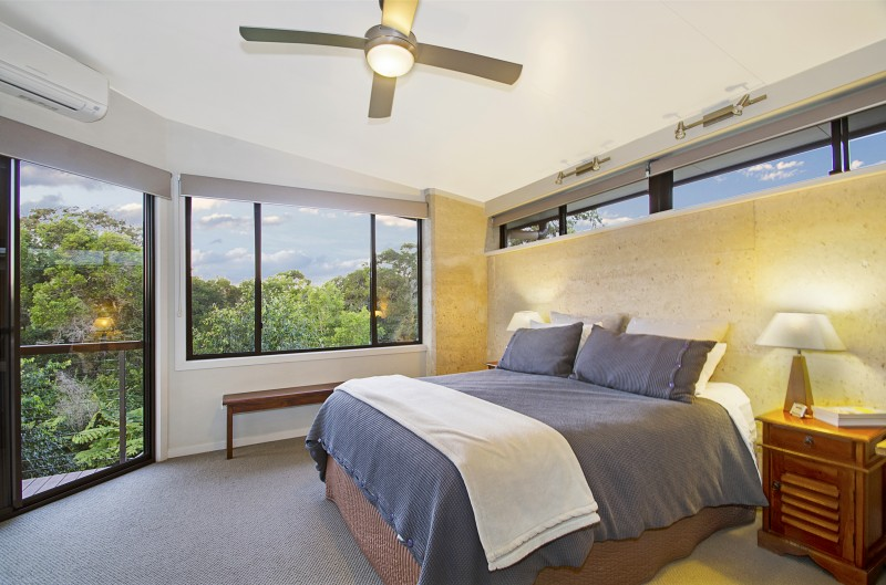 Maleny rammed earth house, bedroom