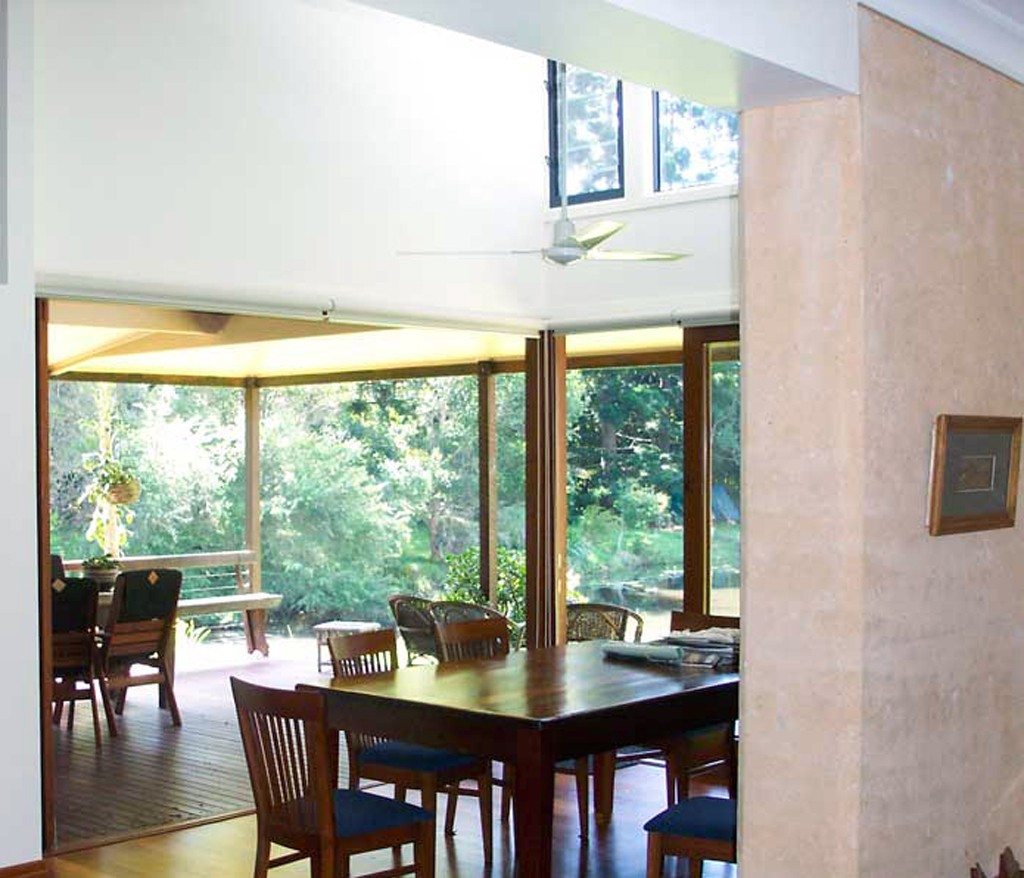 rammed earth hse dining rm